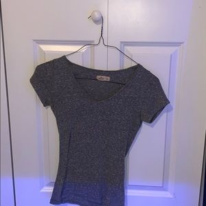 Hollister lightweight v neck (XS)